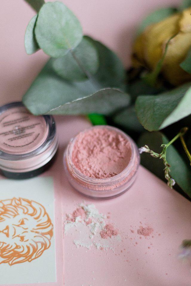 Тенденции макияжа 2018 на примере минеральной декоративной косметики